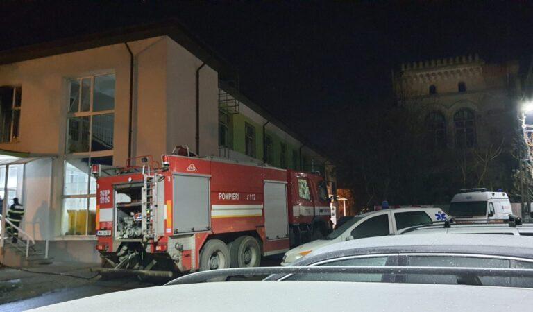 Incendiu la secția de Psihiatrie a Spitalului Municipal Roman