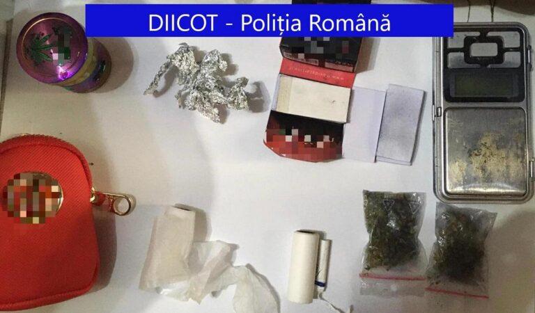 Traficanți de droguri, prinși în Neamț