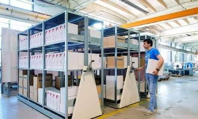 Avantajele utilizării rafturilor metalice și sistemelor de depozitare de la TRCSystems