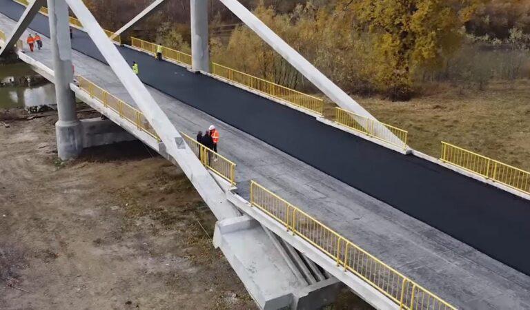 Podul de la Luțca va fi redat circulației rutiere săptămâna viitoare