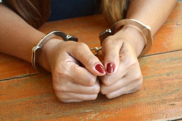 Femeie din Nisiporești, arestată după ce a provocat un incendiu în curtea unui bărbat